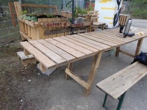 Tisch - Bild 4